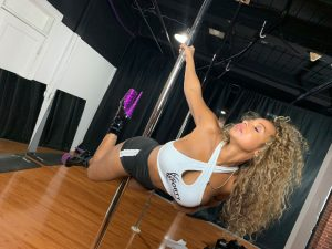 Amanda | Soul Pole Dance